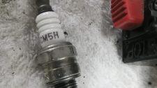 スパークプラグは消耗品です UMK425エンジン不調
